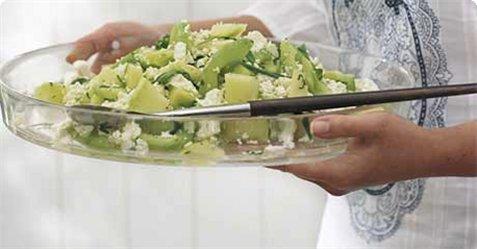 Agurk- og melonsalat oppskrift.