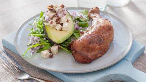 Kyllinglår med avokado og feta oppskrift.