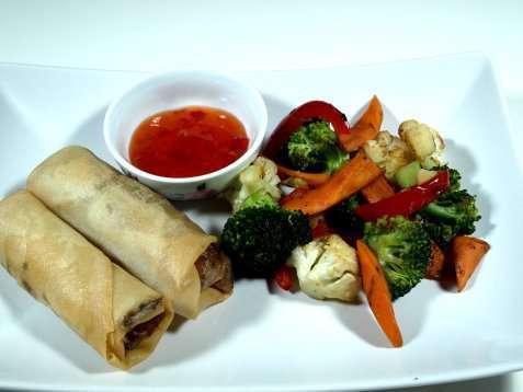 Vårrull med friterte grønnsaker oppskrift.