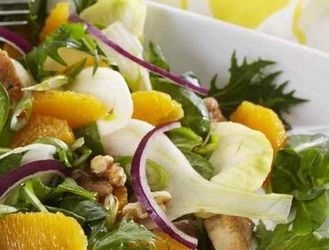 Sprek matsalat med appelsin oppskrift.