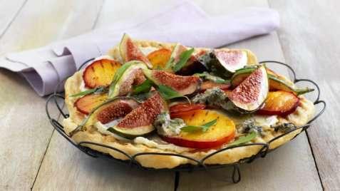 Dessertpizza med fiken og blåmuggost oppskrift.