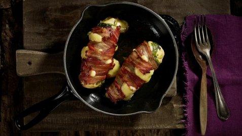 Grillet Kyllingbryst med Jarlsberg, ruccola og bacon oppskrift.