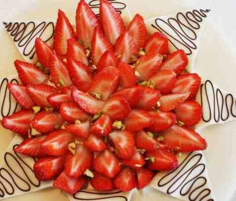 Jordbær og marsipankake oppskrift.