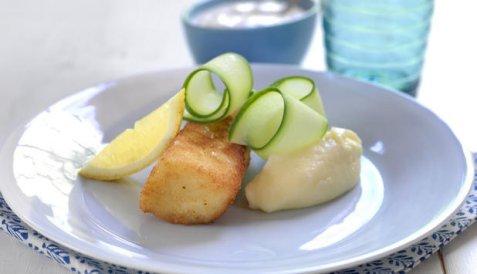 Panert torsk med potetmos oppskrift.
