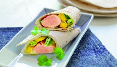 Wrap med laks og mangosalat oppskrift.