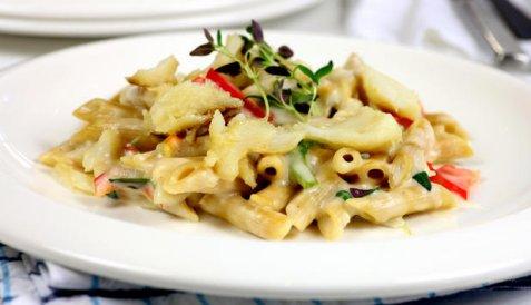 Klippfisk med pasta og ostesaus oppskrift.