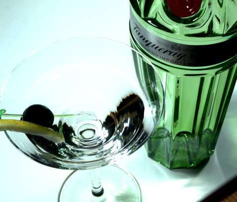Bilde av Tanqueray No. TEN Martini.