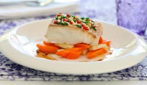 Marinert torsk med dampet gulrot og nøttesmør oppskrift.