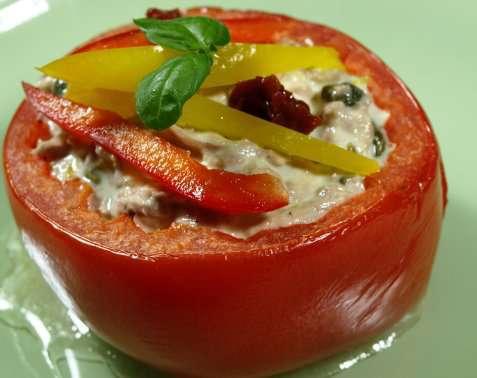 Tomater fylt med tunfiskblanding oppskrift.