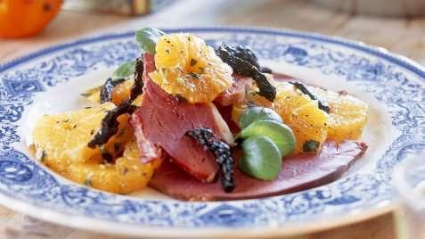 Røkt lettsaltet lammelår med salat av klementiner oppskrift.