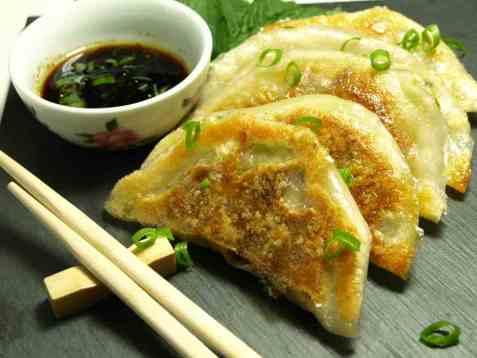 Yaki Gyoza - Japanese Dumplings oppskrift.