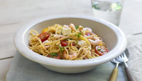 Reker i spaghetti med fetaost oppskrift.