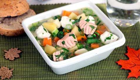 Laks og steinbit i gryte med grønnsaker oppskrift.