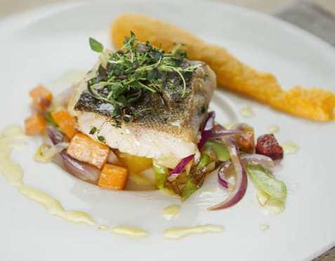 Stekt torskefilet med chorizo og grønnsaker oppskrift.