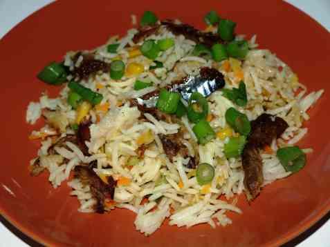 Stekt ris med røkt makrell oppskrift.