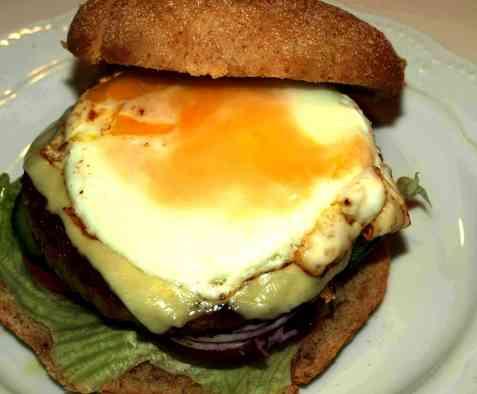 Kyllingburger med speilegg-2 oppskrift.