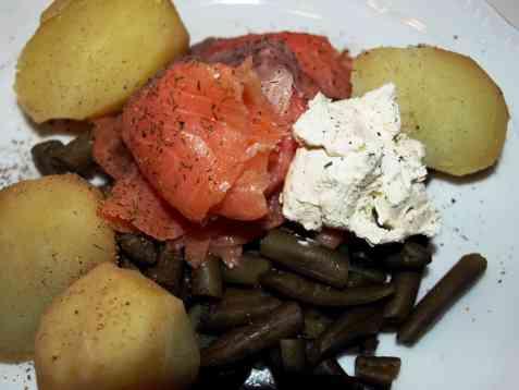 Bilde av R�kelaks med b�nner og poteter.