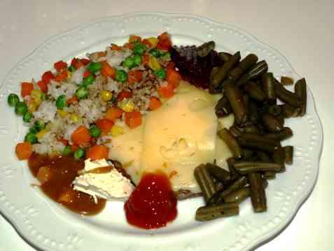 Cheeseburger med stekt ris og grønnsaker oppskrift.