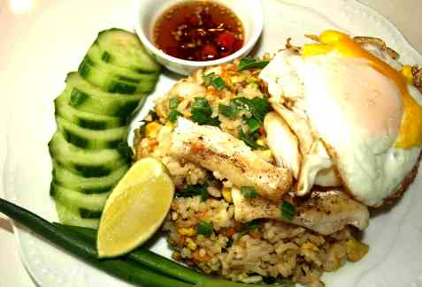 Kao Pad(fried rice) med fisk oppskrift.