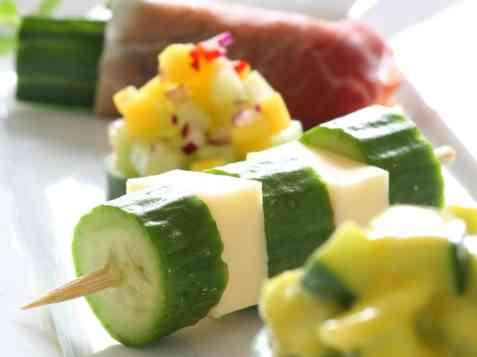 Bilde av Fylt agurk med hvitl�kmajones.