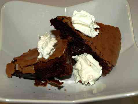 Brownies med rosiner og krem oppskrift.