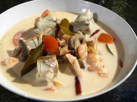 Thai fiskesuppe med fløte og sei oppskrift.