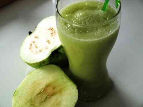 Guava og eple smoothies oppskrift.