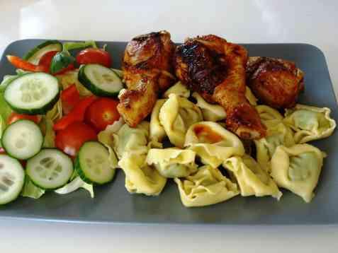 Tortellini med kyllingklubber oppskrift.