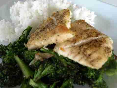 Dagens oppskrift er Stekt fiskefilet med brokkoli.