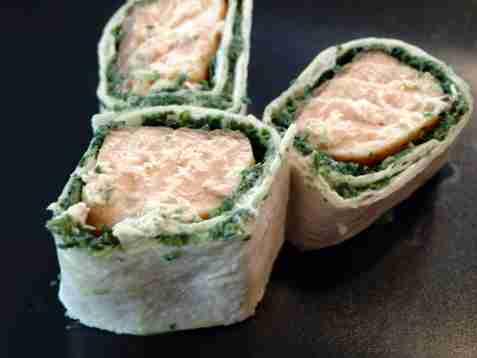 Bilde av Tortilla med teriakylaks og spinat.
