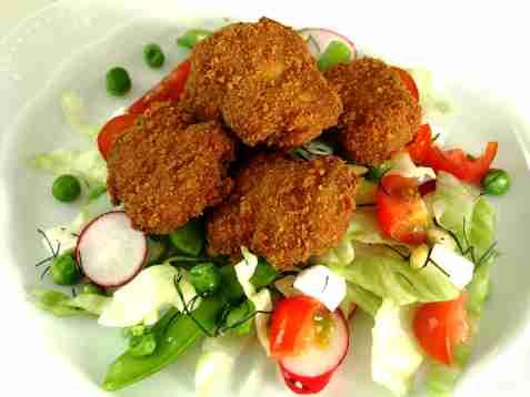 Chicken nugget med fetaostsalat oppskrift.