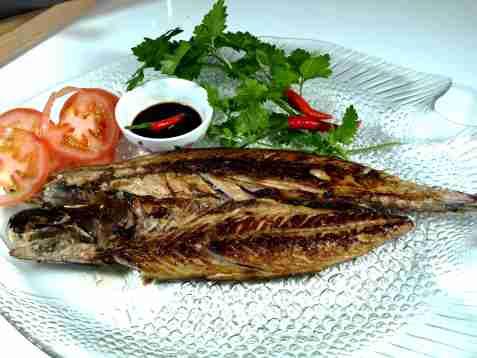 Marinert makrell i sitrongress oppskrift.