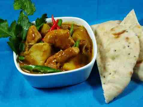 Kylling curry med poteter oppskrift.