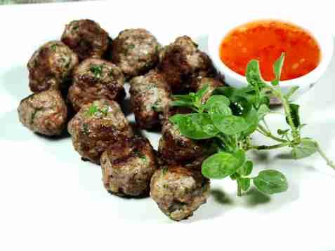 Kjøttboller av karbonadedeig oppskrift.