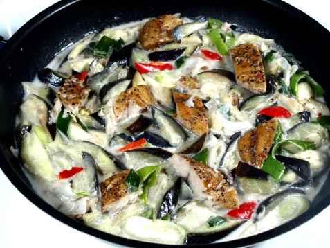 Ginataang talong med fisk oppskrift.