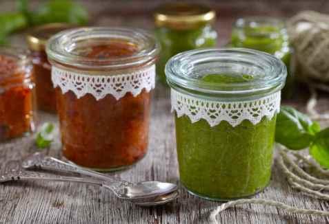 Grønn og rød pesto oppskrift.