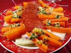 Bilde av Salat med gulrot og beter.