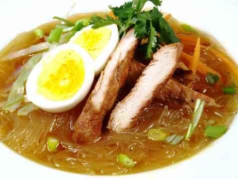Bilde av Sotanghon noodles med kylling.
