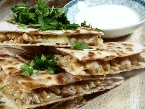 Quesadillas med ost og kylling oppskrift.