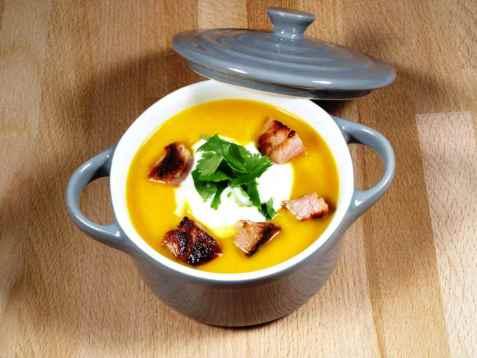 Bilde av S�tpotetsuppe med gulr�tter og ingef�r.