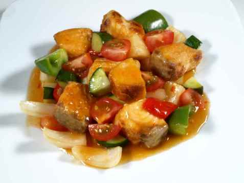 Bilde av Laks i wok med surs�t saus.