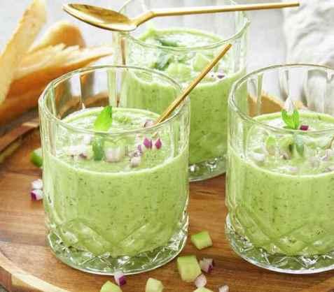 Agurksuppe med urter oppskrift.
