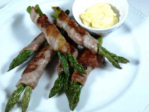 Asparges og baconrull oppskrift.