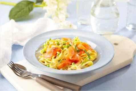 Røkt ørret med pasta oppskrift.