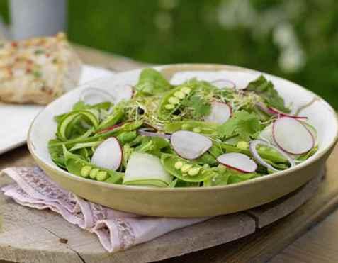 Asiatisk salat til fisk oppskrift.