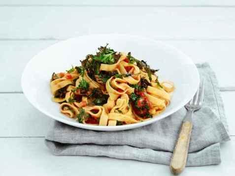 Spicy pasta med grønnkål oppskrift.