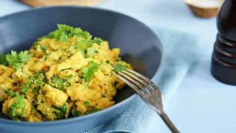 Eggerøre med urter oppskrift.