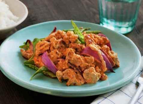 Rask thaicurry med kjøttdeig av svin oppskrift.
