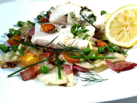 Ovnsbakt torsk med kål og bacon oppskrift.