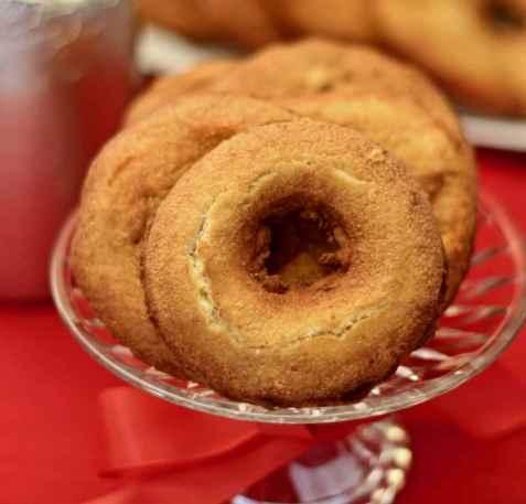 Glutenfrie smultringer fra Niru Kumra oppskrift.